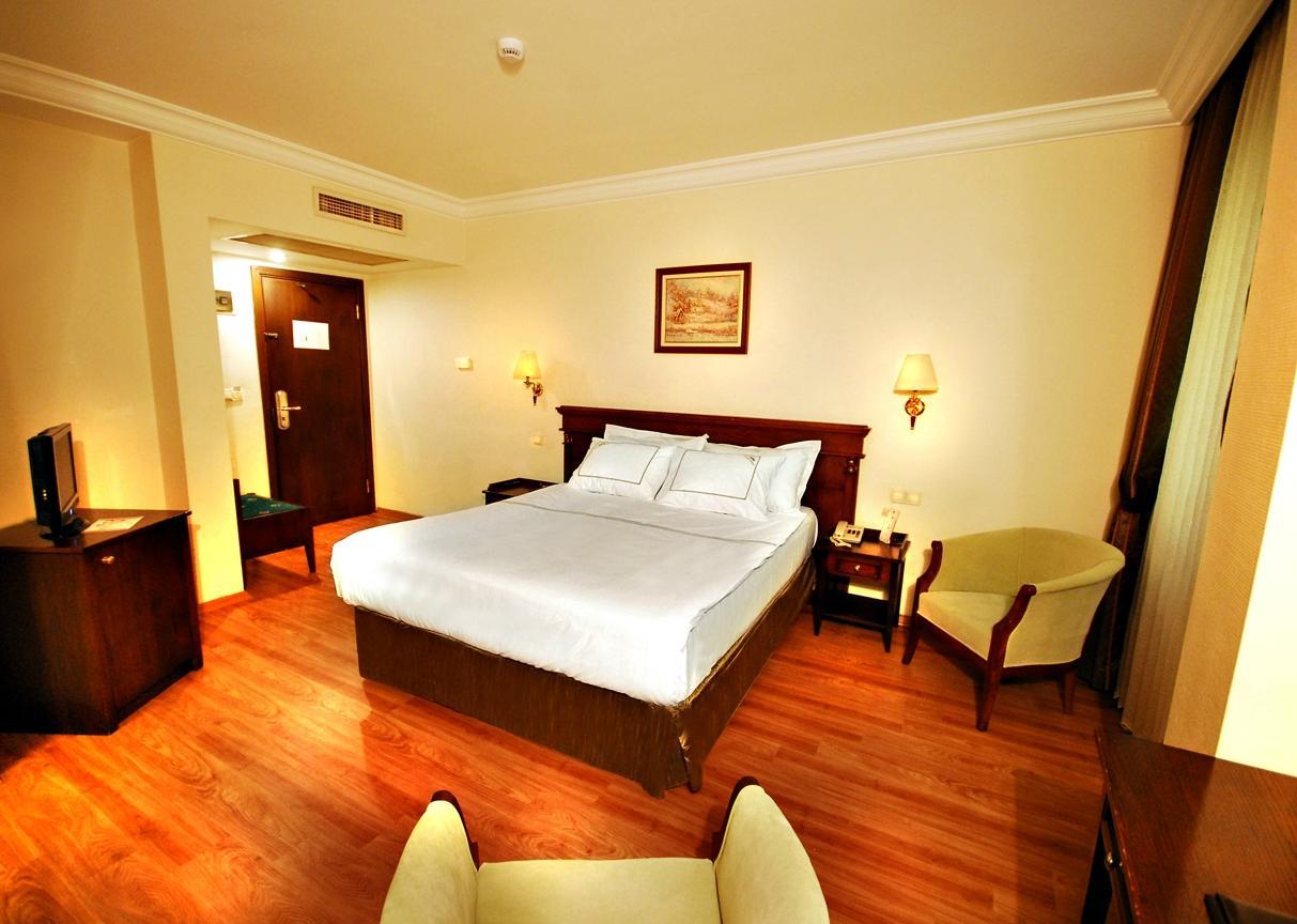 골든 크라운 호텔