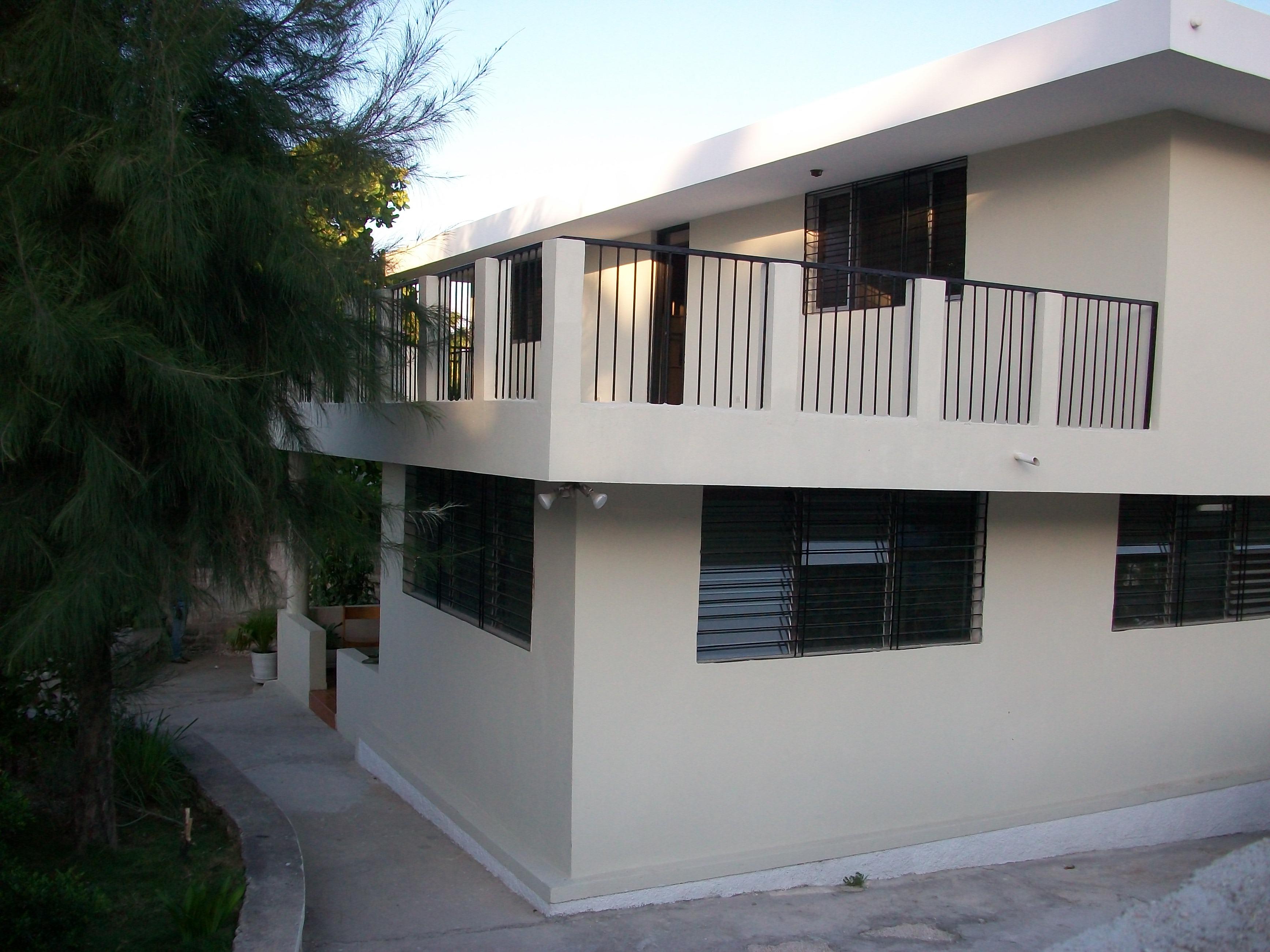 Jeff Cherubin Domond Guest House