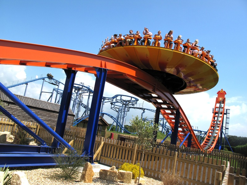 Map Uk Attractions%0A The EDGE  u    amp  Cobra coasters in Paultons Park