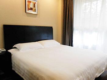 Tongjian Hotel
