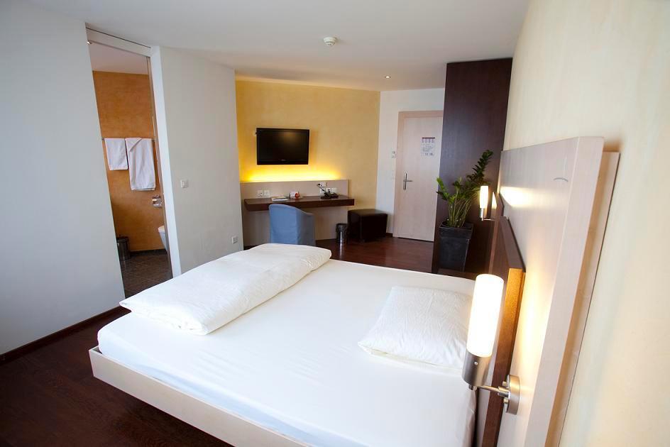 Uto Center Hotel