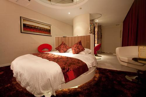 Vinisi Hotel