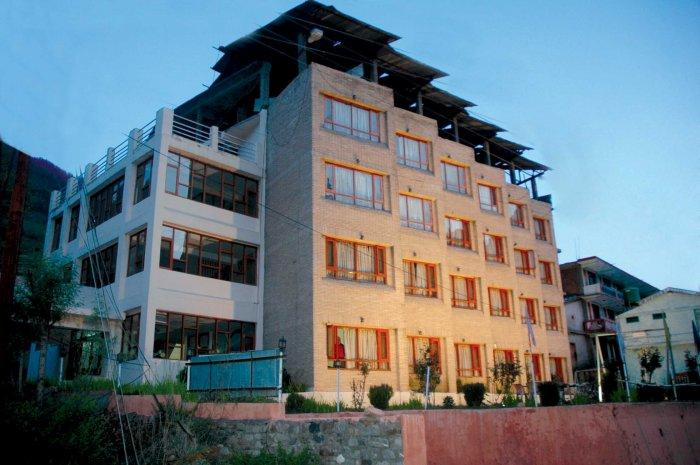 Sitara Hotel
