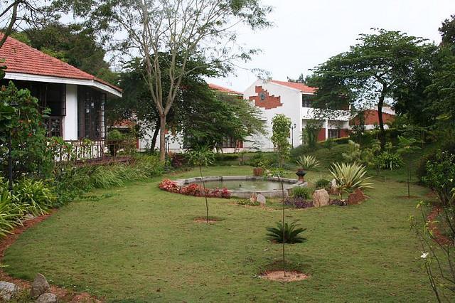 Kadur Inns