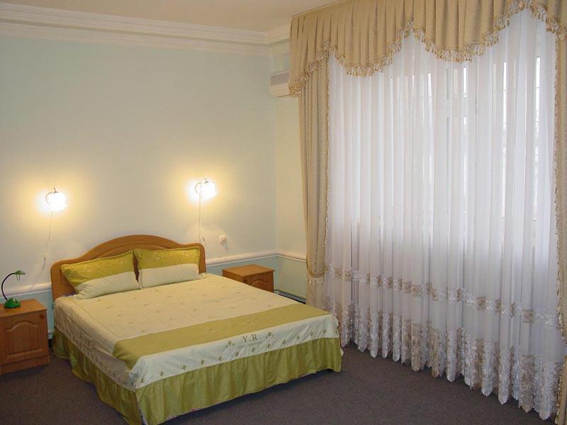 Oazis-Asaka Hotel