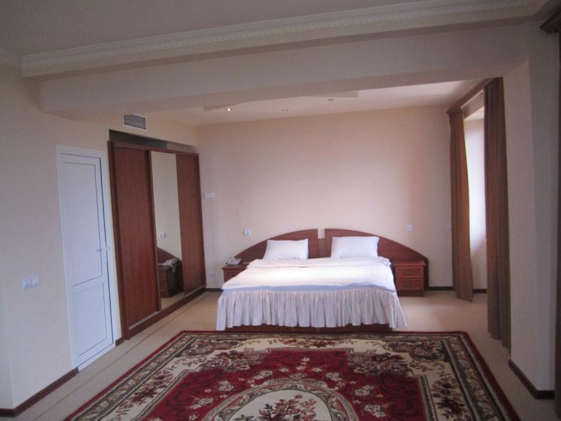 Avan Shushi Plaza Hotel