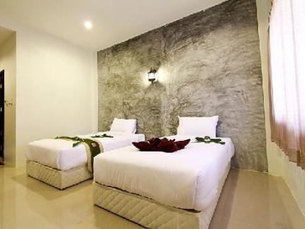 Khanom Resort