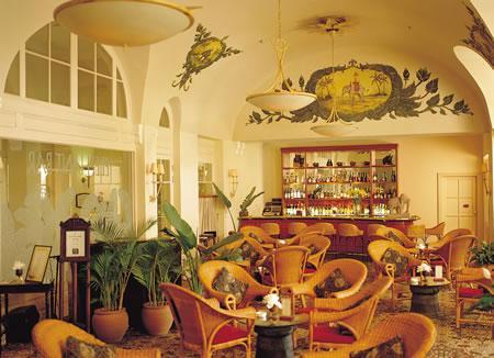 Royal Phnom Penh Hotel
