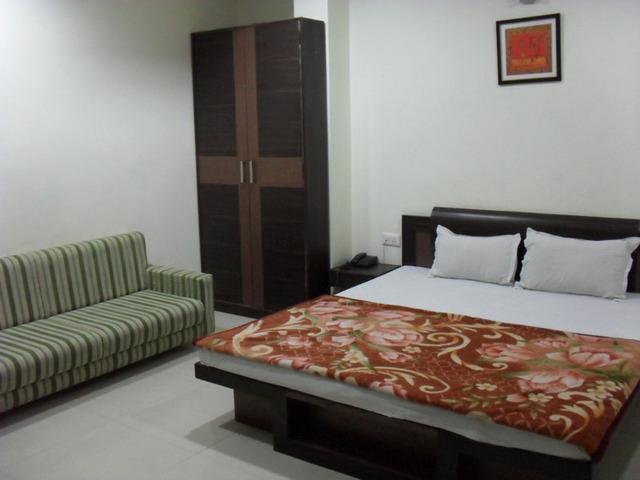 Hotel Almond Inn