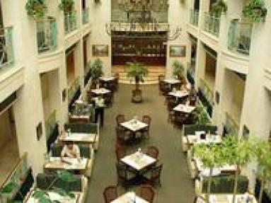 Plaza de Oro Hotel
