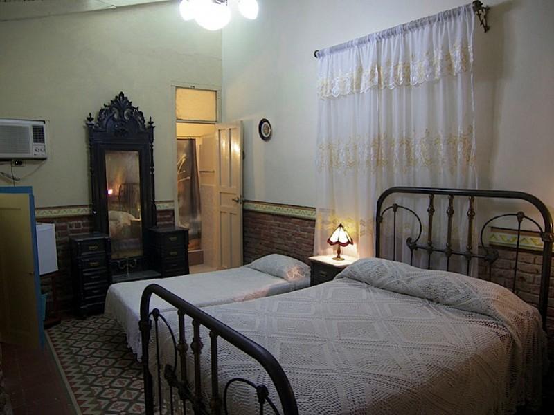Colonial Tania