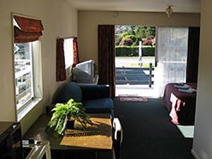 Ferrylink Motel