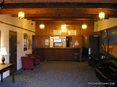 Maple Creek Motor Inn