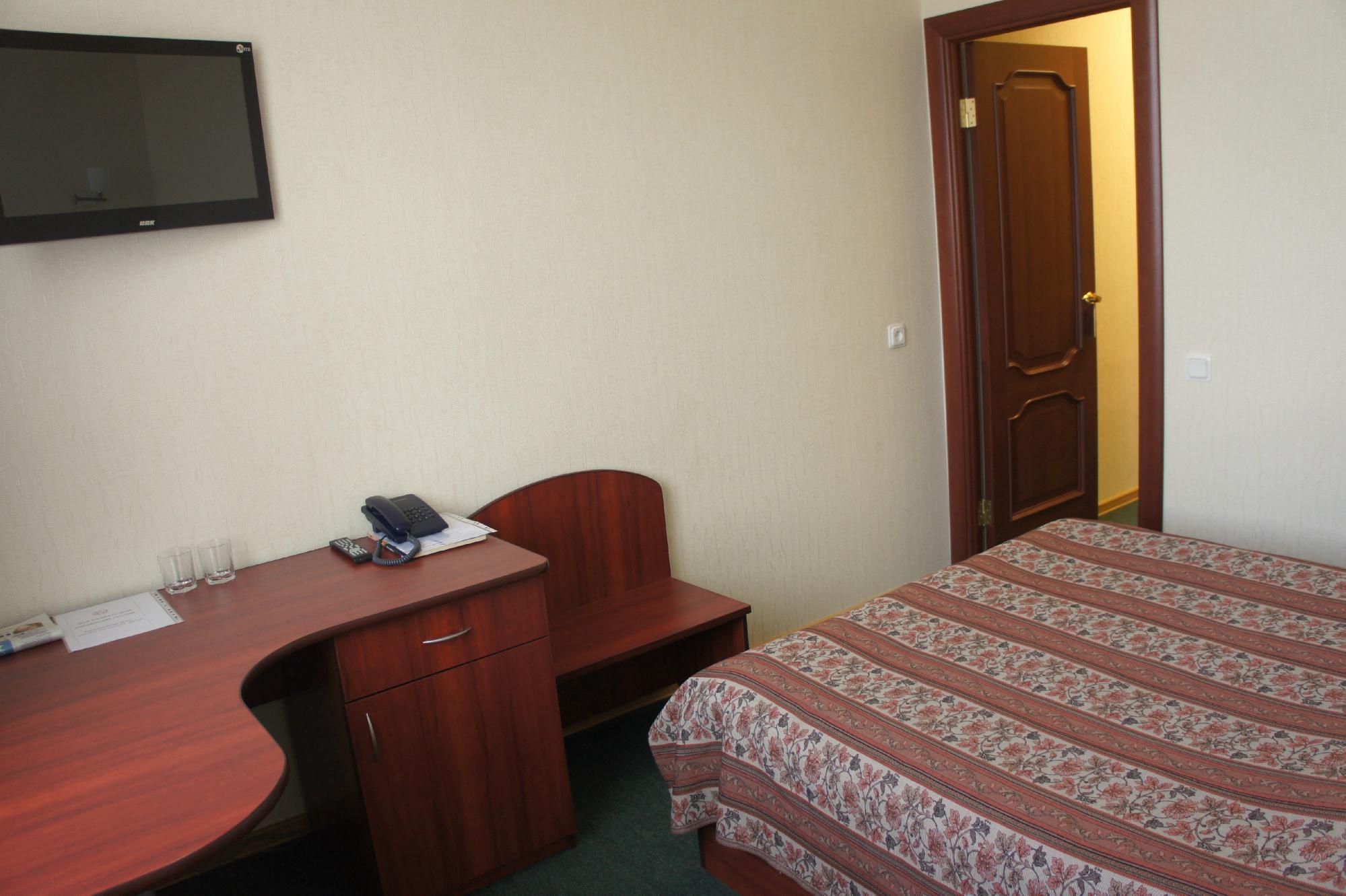 Acron Hotel