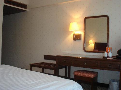 Gongbei Palace Hotel