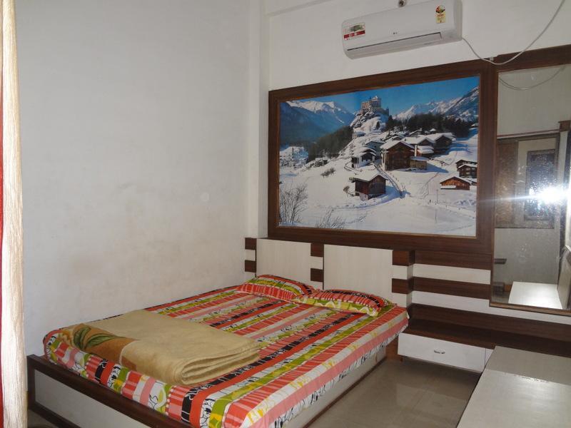 Shri Radhe Hotel