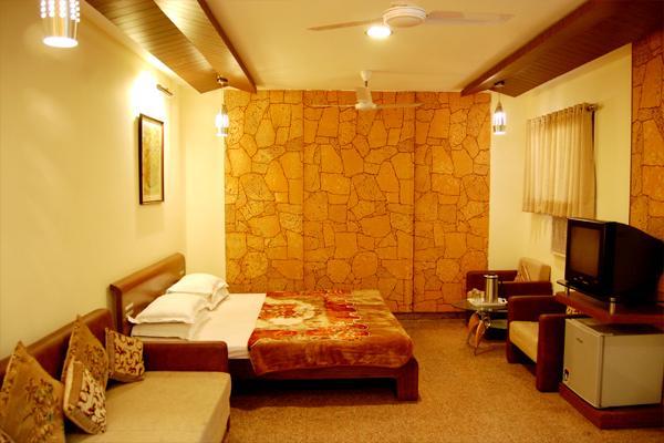 Hotel Raaj Kamal