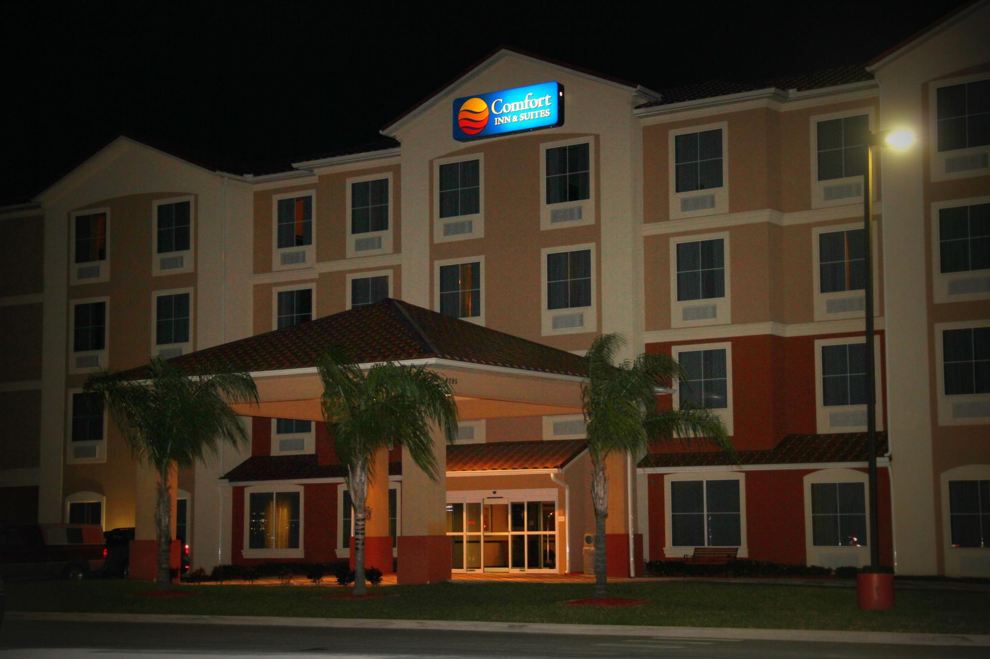 Comfort Inn & Suites Maingate South