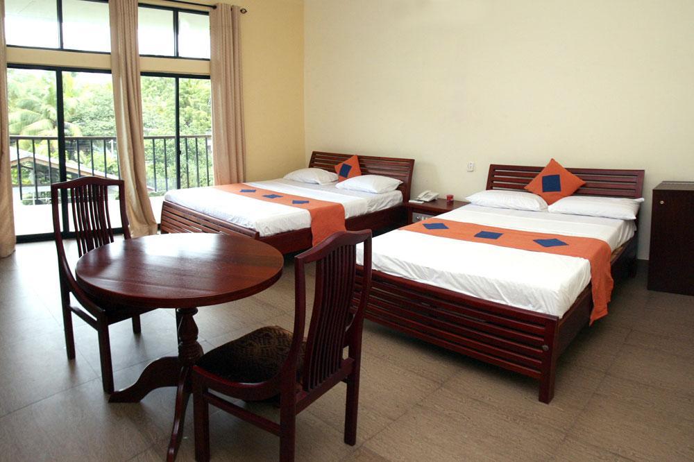 Monty Hotel Ampara