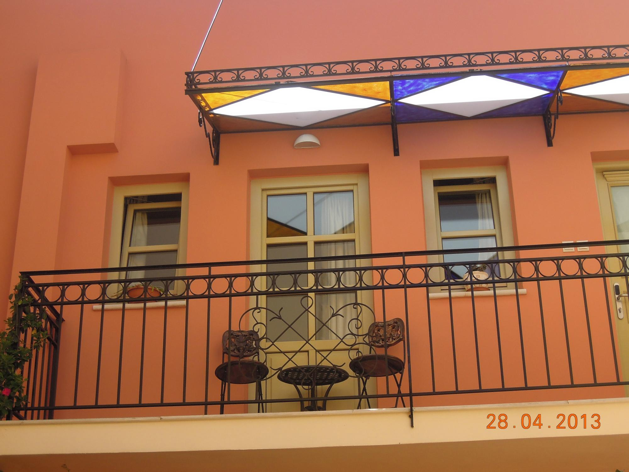 Casa Moazzo Suites & Apartments