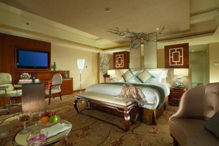 Tonglu Hotel