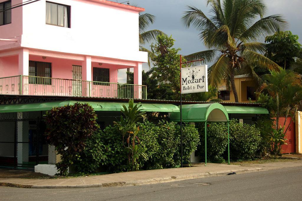 Mozart Hotel & Bar