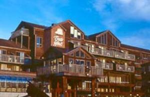 Tradewinds Motor Hotel