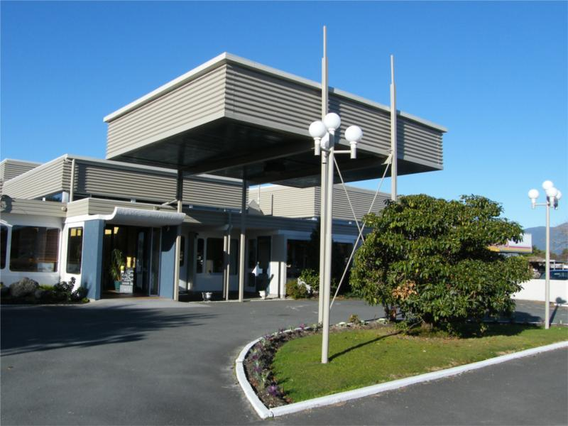 Westport Motor Hotel