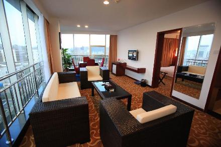 간저우 아이언 드래건 호텔