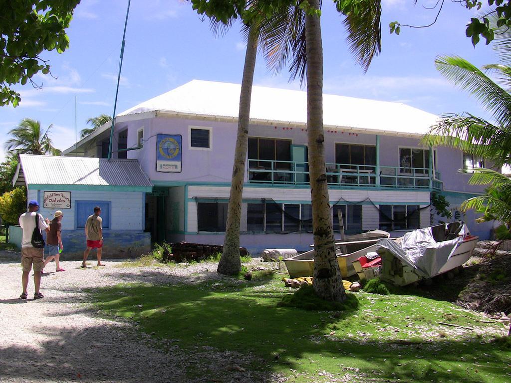 Luana Liki Hotel