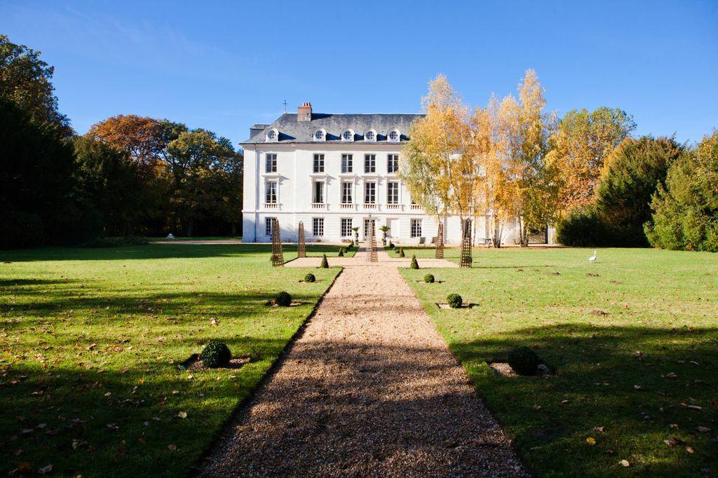Chateau De Paradis