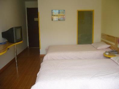 Gold Lions 100 Hotel Jiaonan