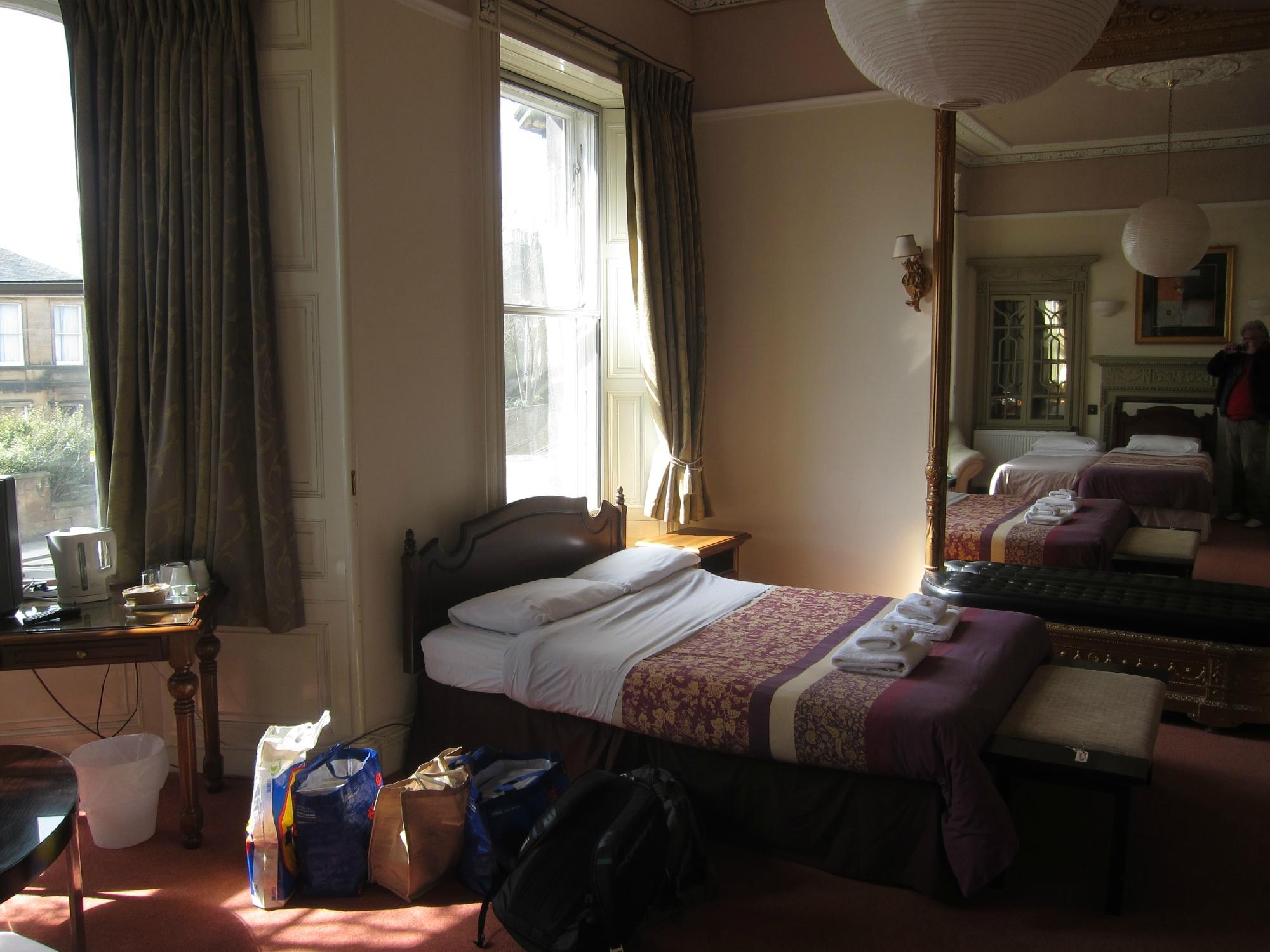 スラムズ ホテル