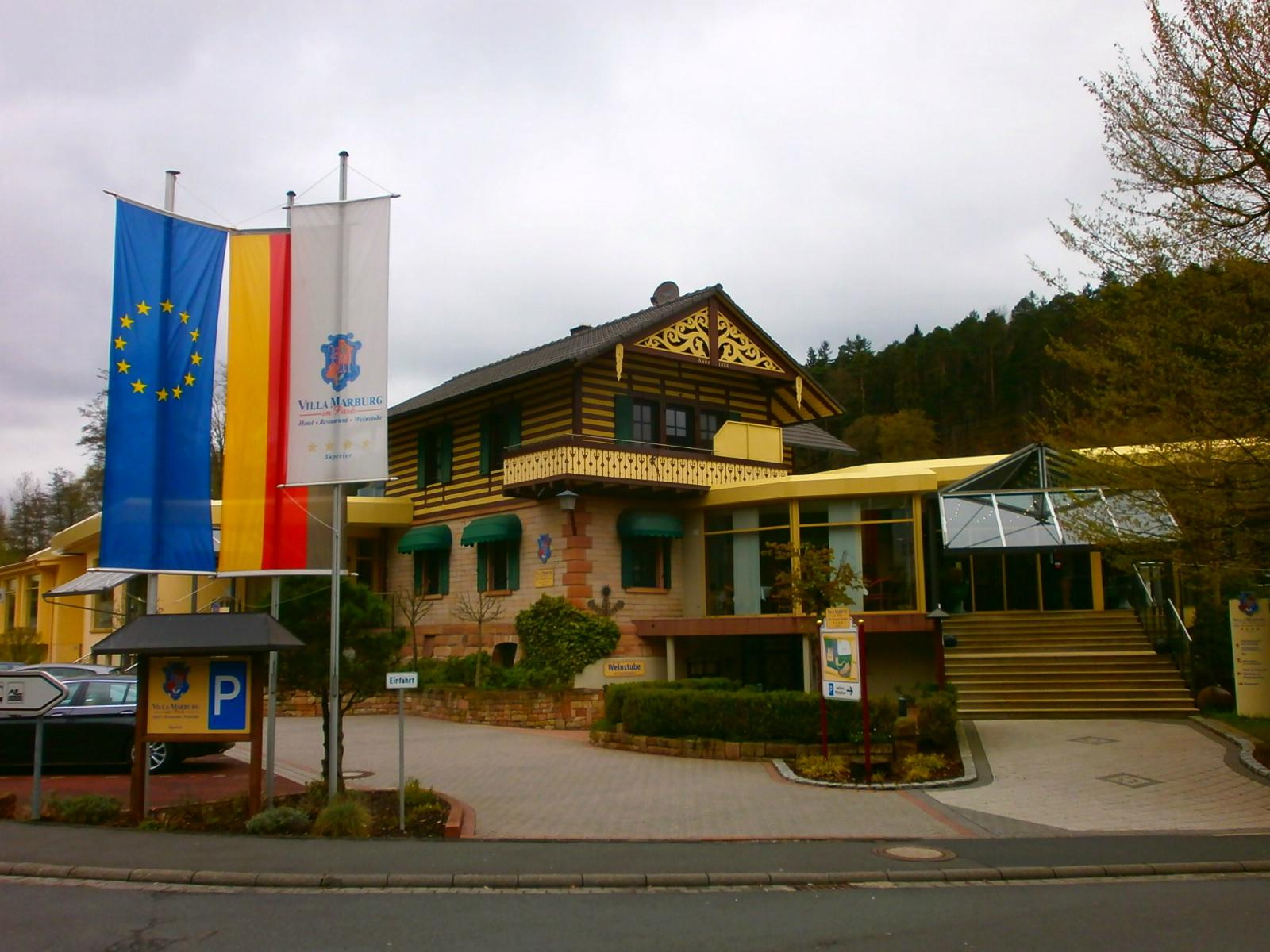Villa Marburg im Park
