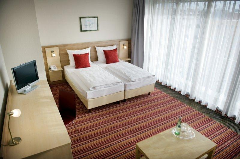 Tryp by Wyndham Berlin AM KU Damm