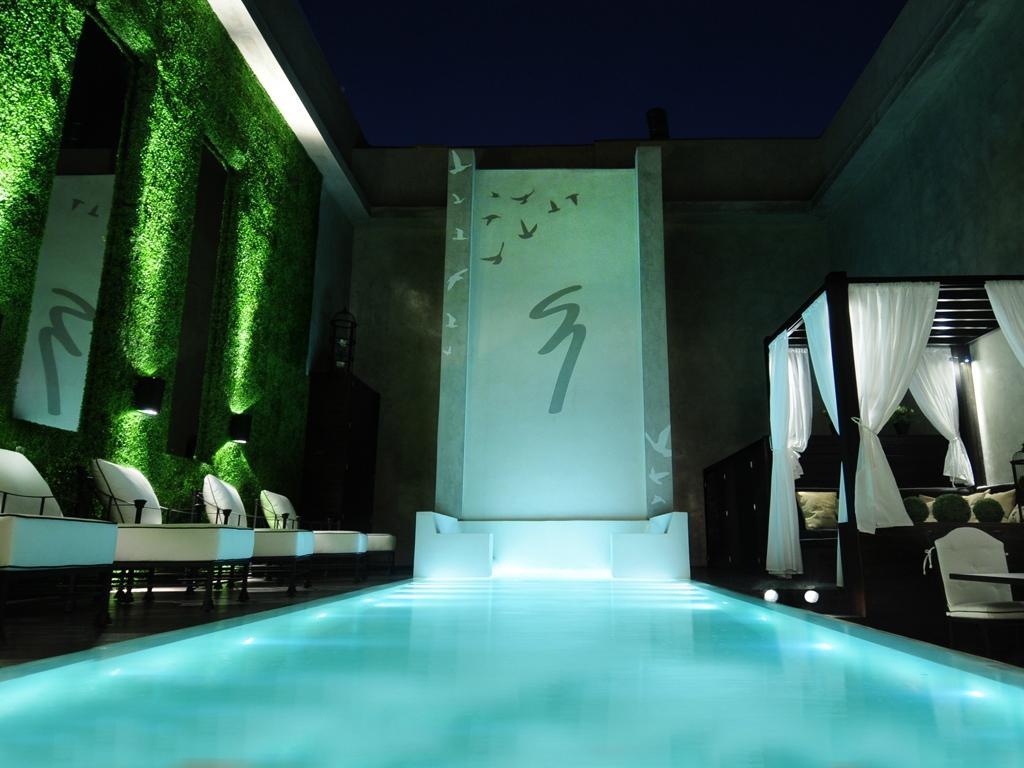 1828 Smart Hotel