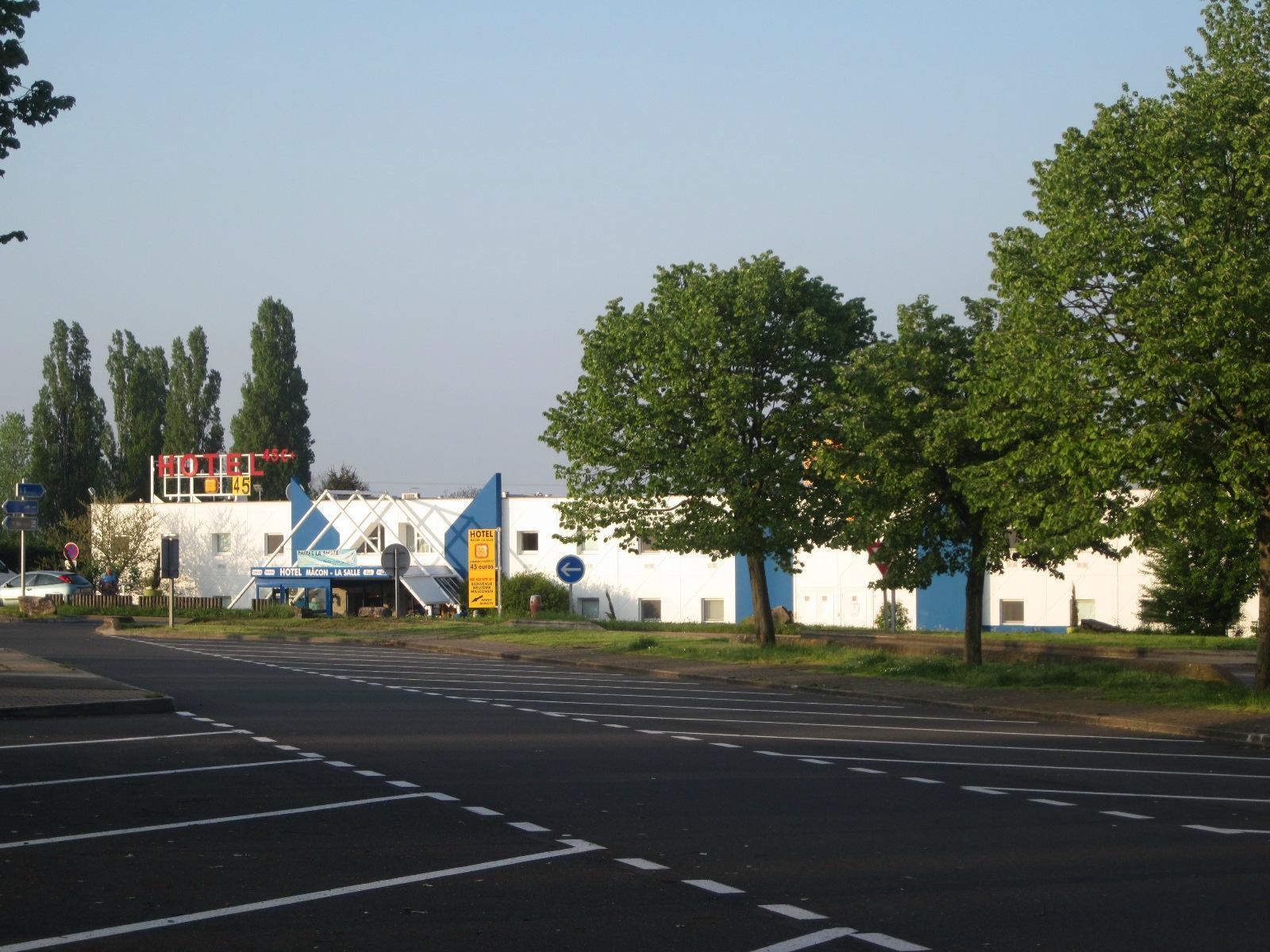 P'tit Dej-HOTEL Macon-La Salle-A6