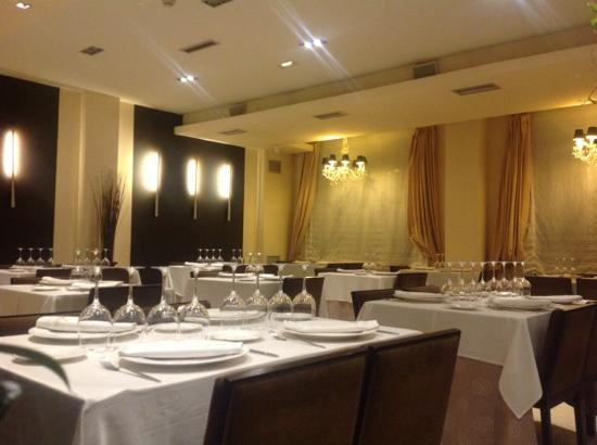 Hotel Asador Versus
