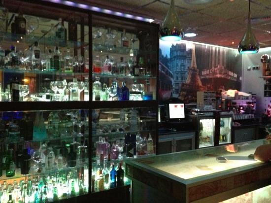 Le Monde Rota Gin House