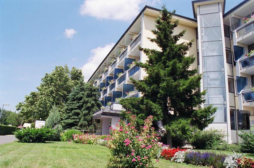 Corvus Hotel Buk