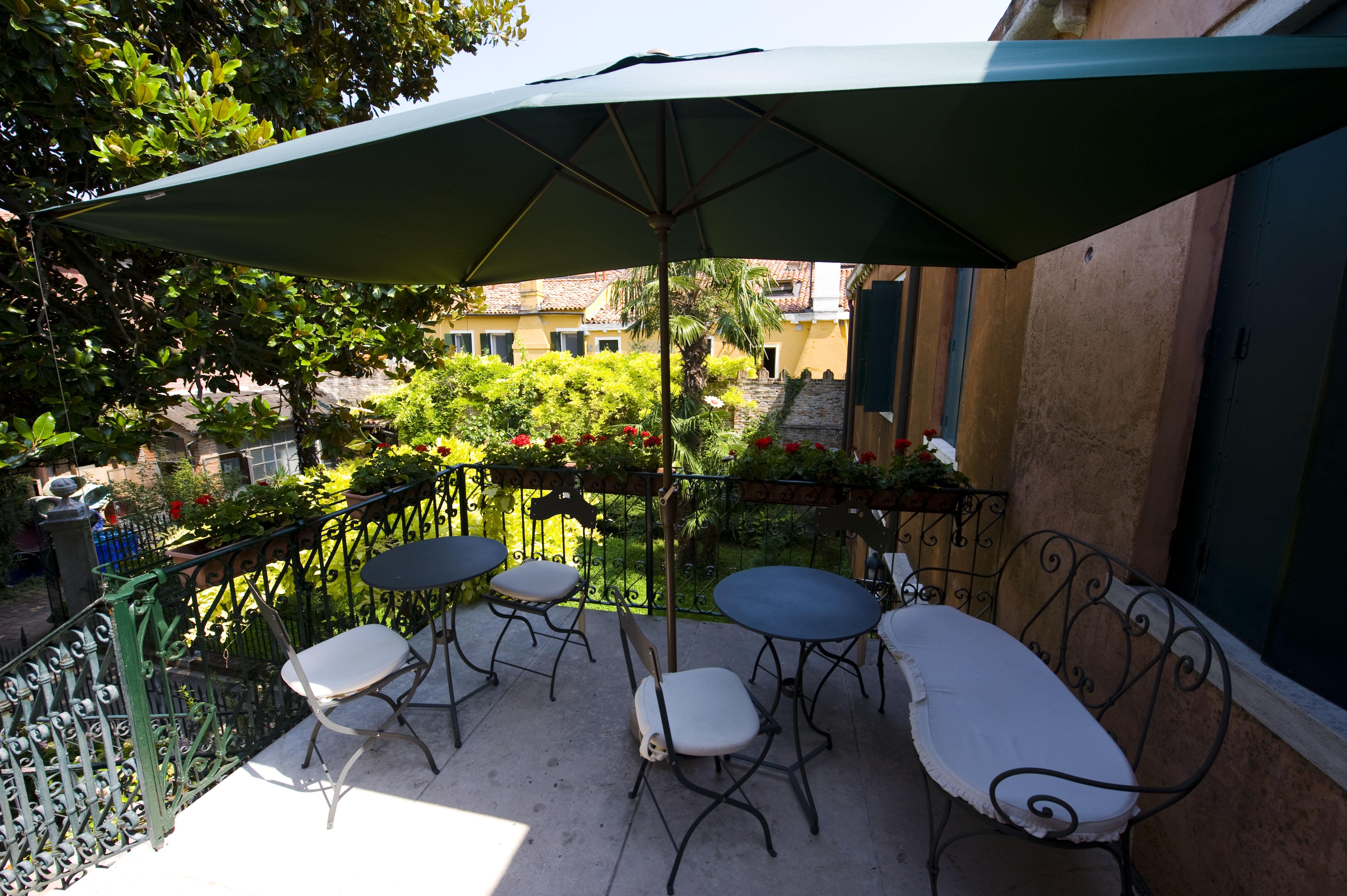 Breakfast Terrace Second