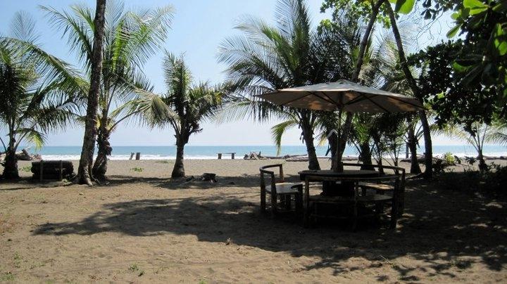 Dos Palmas Beach Cabinas