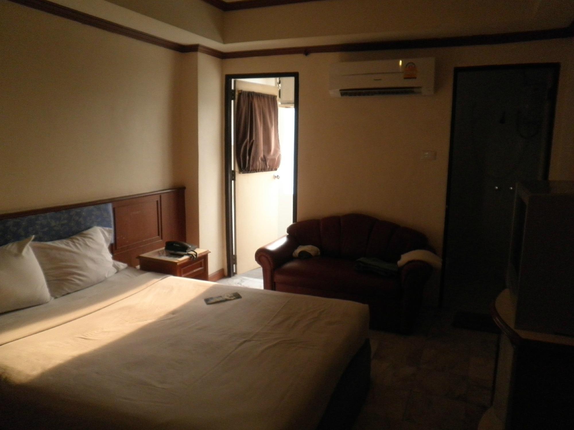 โรงแรมชัยพัท