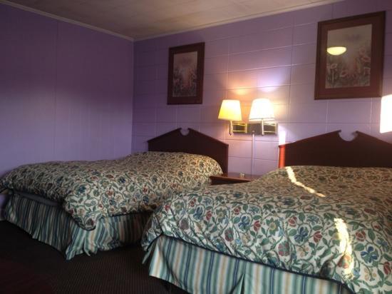 Candlelite Motel