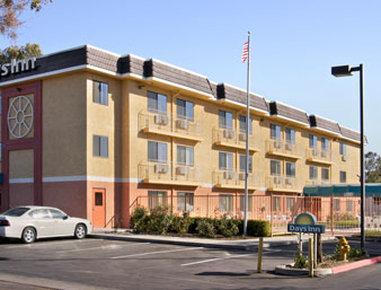 伍德蘭戴斯酒店