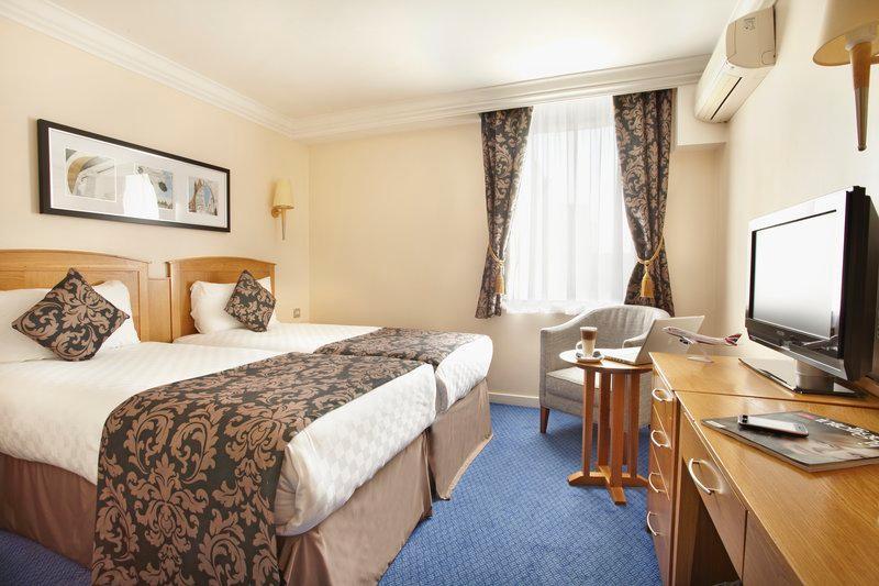 โรงแรมธิสเทิลลอนดอนฮีทโธรว์