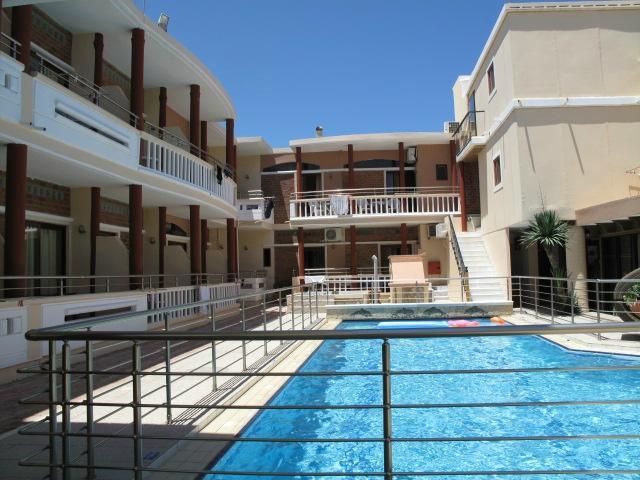 Kato Stalos Mare Hotel