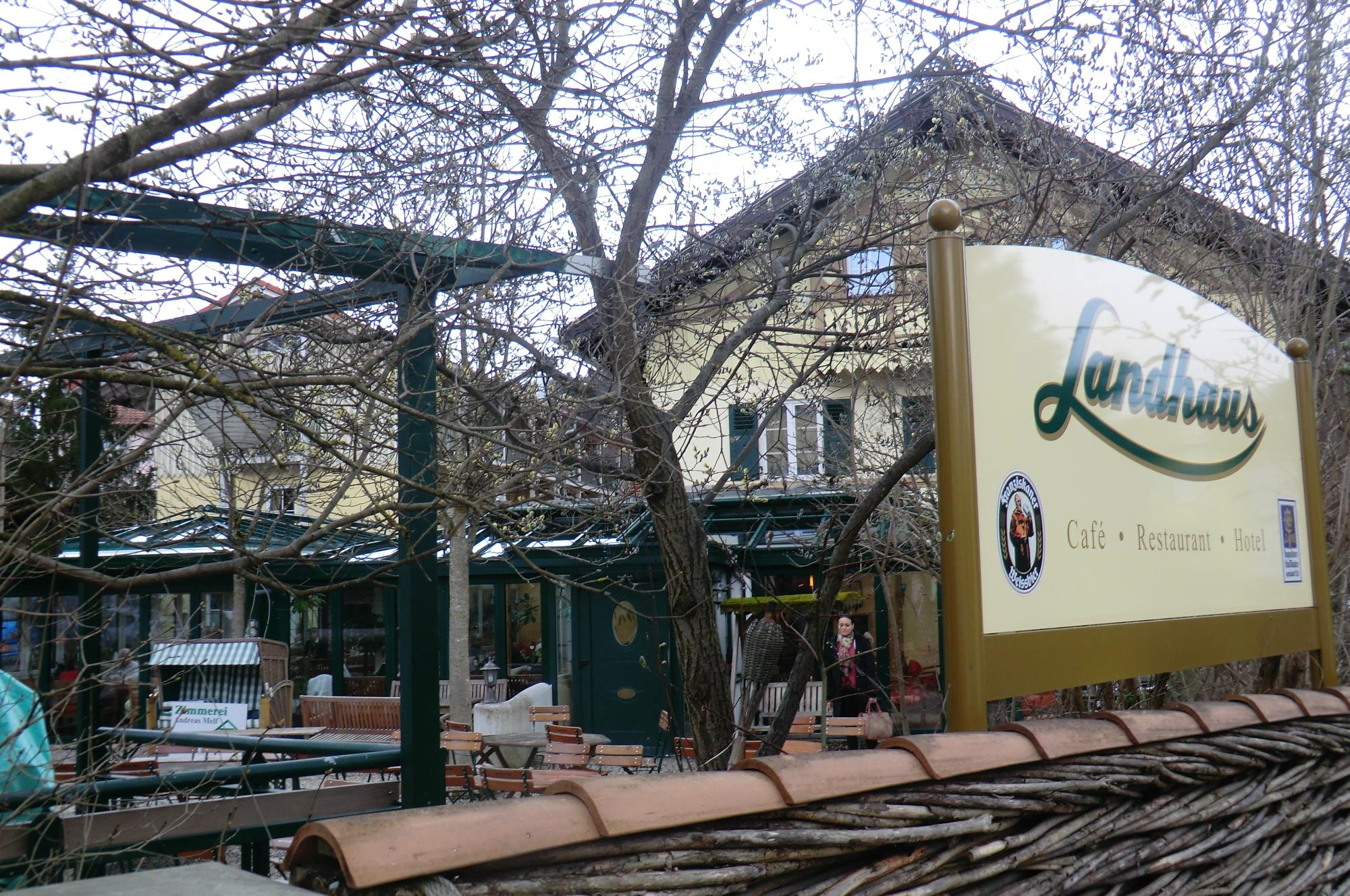 Landhaus Cafe & Hotel