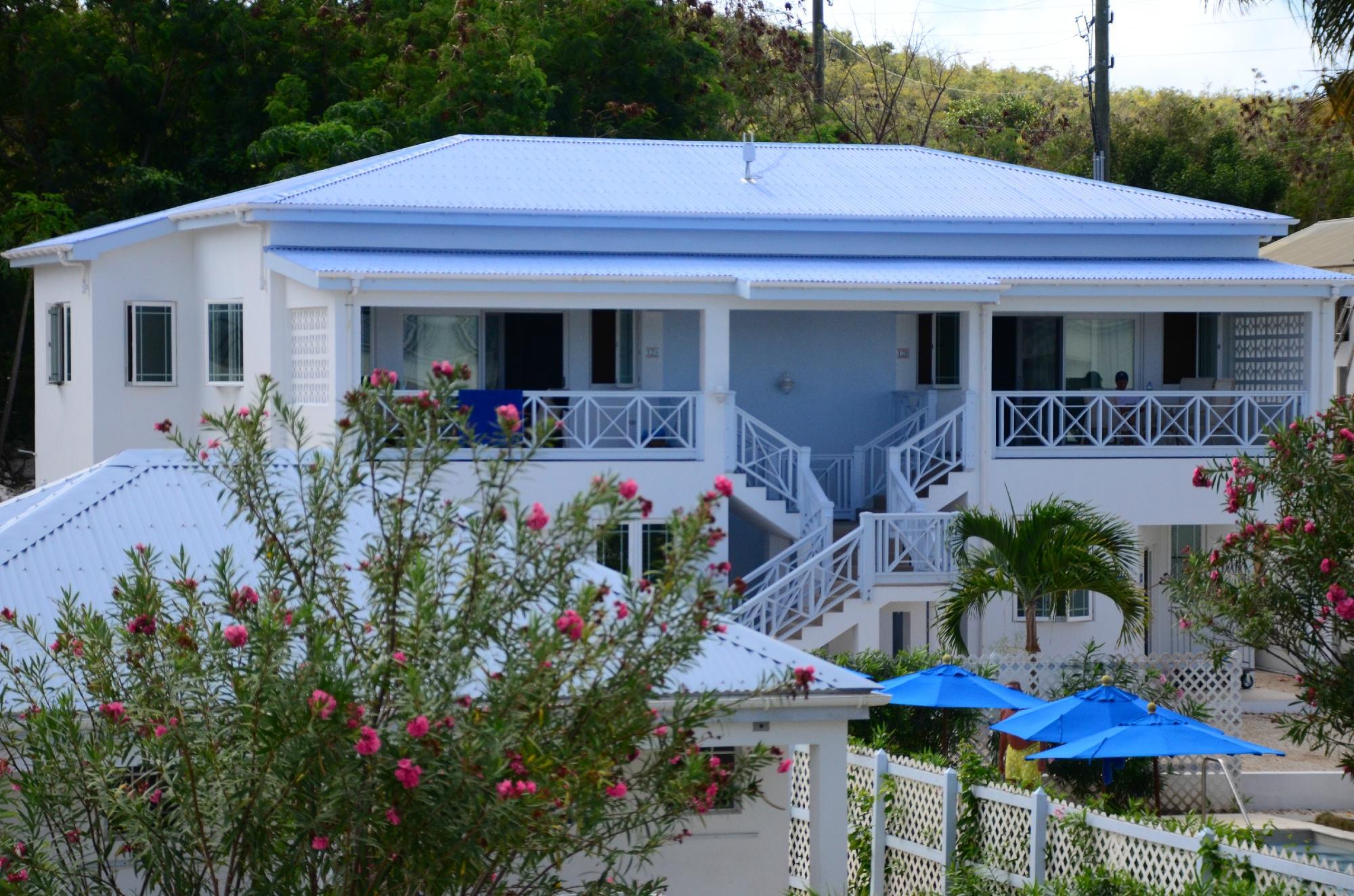 Shoal Bay Villas