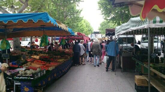 Grand Marché de Sanary-sur-Mer